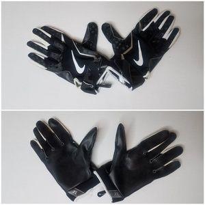 Nike V1 Football Gloves